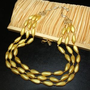 VTG GOLD FAUX PEARL POURED GLASS MOLDED NECKLACE